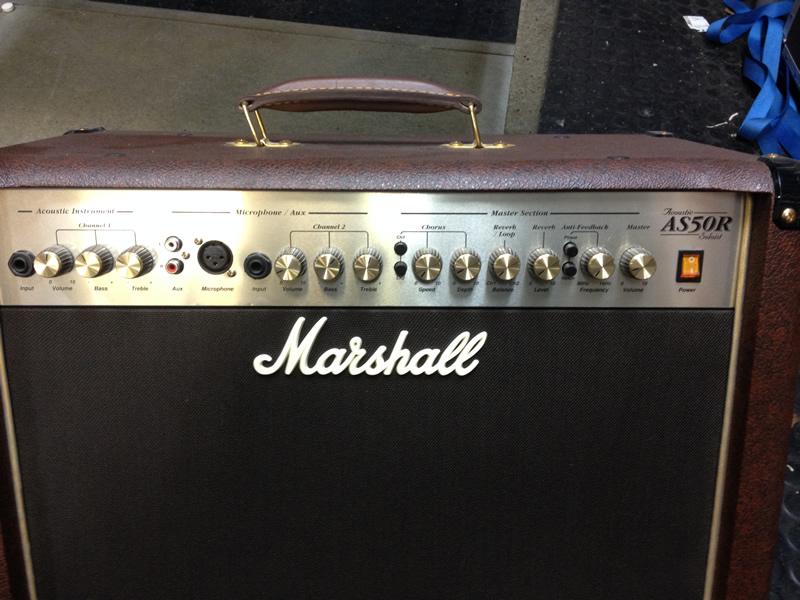 Marshall AS50R vahvistin akustiselle soittimelle.