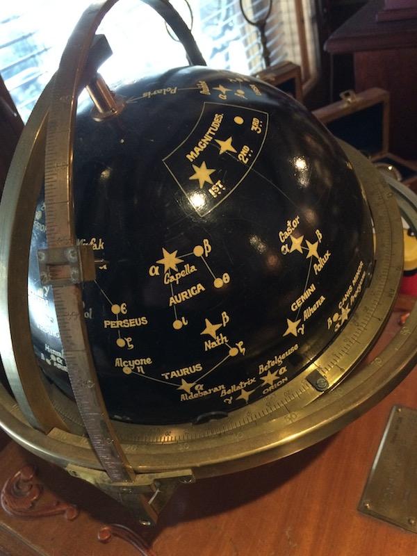 Navigointiväline, Englantilainen Tähtikarttapallo 1900 luvun alusta.
